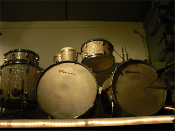 Zickos 18, 12, 14, 16 & snaredrum, clear.   1960 Ludwig 22, 13, 16 &  snaredrum, blue sparkle.   1960's Trixon, 20,13,16 red sparkle.